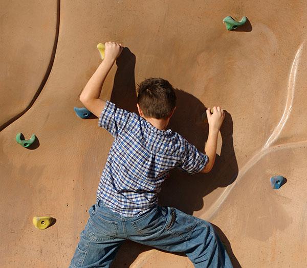 kid-climbing-web